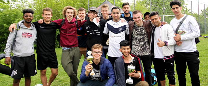 Platz 1 bei der Landesfußballmeisterschaft 2019: die Mannschaft EC Bad Homburg